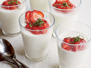 Vanilla-Buttermilk Panna Cotta with Strawberry Sauce