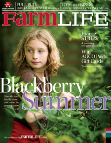 Summer 2015 Small Farm Cover