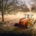 Massey Ferguson 5700SL & 6700, tractors provide comfort, control.